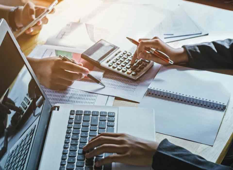 حسابداری و مالی شرکتی